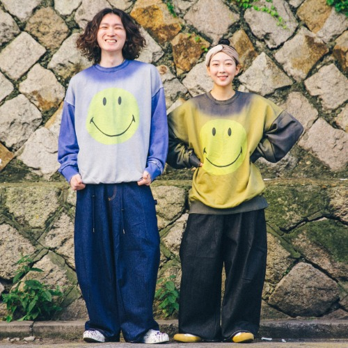 Painting Smile Sweat Shirts & Roof Denim Balloon Pants